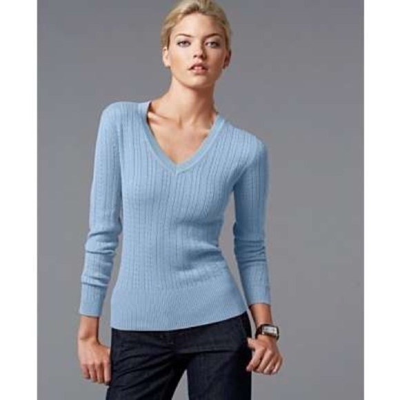 b9ffbcb61 Tommy Hilfiger V-Neck Cable Knit Sweater Blue. M 5a85b4da36b9de4a7cd8dce3
